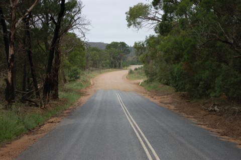 Image of Nerriga Road sealed and unsealed section
