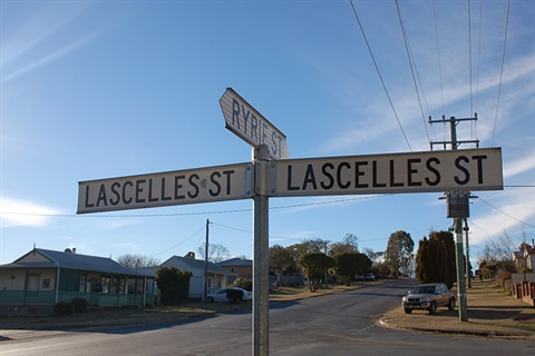 Street signs showing Lascelles and Ryrie Streets intersection
