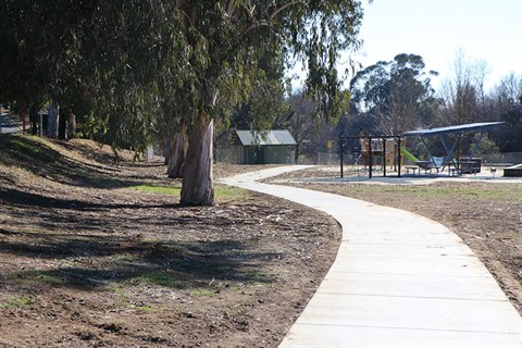 This shows the new shared path along the Queanbeyan River near Thorpe Avenue